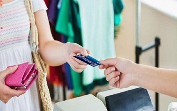 Vay tiền bằng thẻ tín dụng có được không?